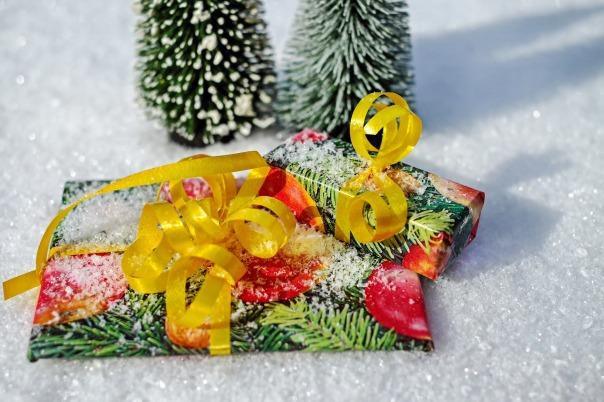 gift-1808805_1920.jpg
