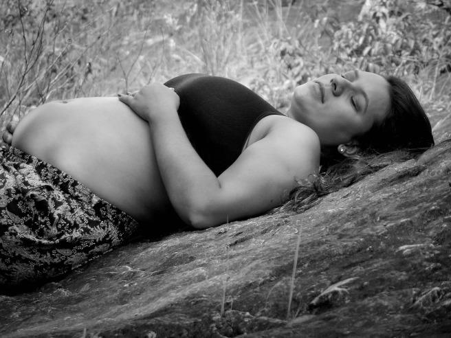 pregnant-woman-2139944_1920