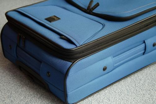 luggage-356735_1920
