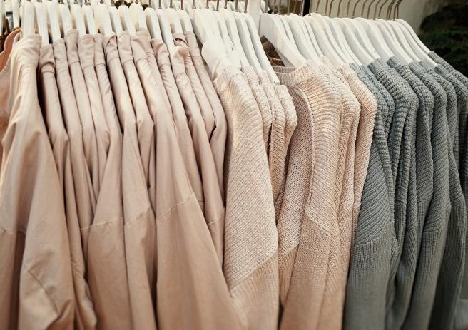 clothing-1756045_1920